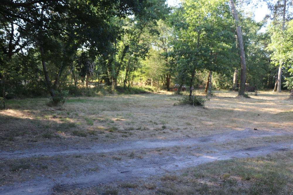 Aire camping-car à Saint-Symphorien (33113) - Photo 3